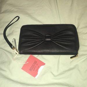 Black Faux Leather Bow Front Wristlet / Wallet